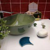 Casa de banho com azulejo vidrado