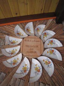 Decoracao em terracota e ceramica