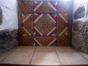 Decoracao em terracota e mosaico hidraulico