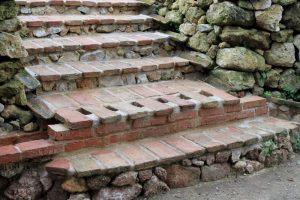 Escada em terracota