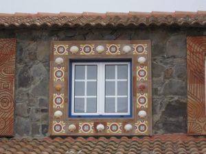 Ref 167 Faixa Estrella combinada com terracota manual Moldura decorativa em janela