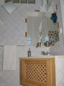 Ref 246 Casa de banho em azulejos vidrados
