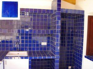 Ref 257 Cozinha e bancada em azulejos vidrados 1