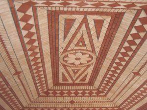 Tecto revestido a terracota de diferentes cores e medidas 1