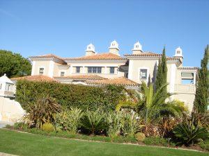Telhado Pinheiros Altos Algarve