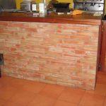 Ref 501 Terracota 30x75 cm usada como revestimento balcao
